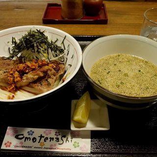 豚と白ネギと海苔と時々ラー油つけうどん(JUN大谷製麺処 (ジュンオオタニセイメンショ))