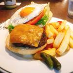 短角牛のチーズハンバーガー