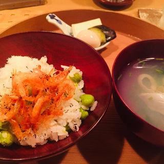 碓井豌豆と桜海老唐揚のごはん、 鯛おぼろ(料理 澤)