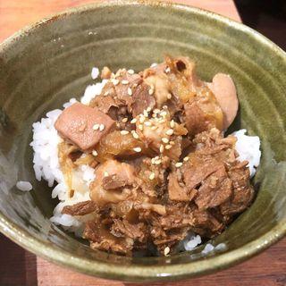 ホルモン丼(鉄板焼 京都 梅しん)