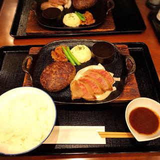 黒毛和牛100%タルタルハンバーグ(神戸れんが亭)