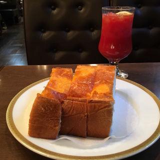 チーズトースト(丸福珈琲店 千日前本店 (マルフクコーヒーテン))