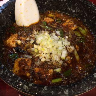 """石焼陳麻婆豆腐(自家製麺 魚担々麺・陳麻婆豆腐 """"dan dan noodles"""")"""
