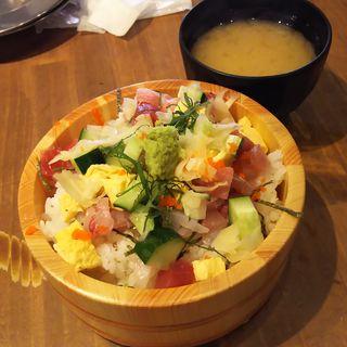 桶盛りチラシ寿司(魚問屋 魚政宗 川崎分店)