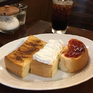三色トーストセット(木馬 )