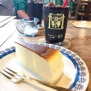 ベイクドチーズケーキ(ねるどりっぷ珈琲 機屋 (ネルドリップコーヒー ハタヤ))
