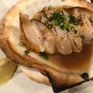 でっかいホタテバター醤油焼き(チャコール バルジュ (charcoal jus))
