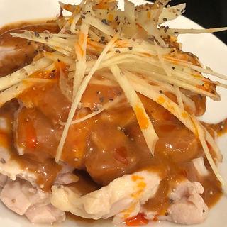 茹で鶏のゴマ怪味ソースがけ(台湾佐記麺線&台湾バル888 )