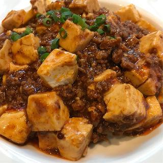 マーボー豆腐かけご飯(中国飯店 六本木店 (チュウゴクハンテン))