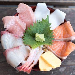 海鮮丼(魚稚 相生水産物市場店 )