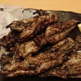 鶏せせりの藁焼き(中権丸 なんば道頓堀店)