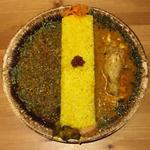 わさび風味のポーク和キーマ + ココナッツのチキンカレー(バー カナタ (Bar Kanata))