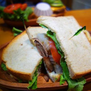 ローストビーフサンドイッチ(クアアイナ 福岡ソラリアプラザ店 (KUA`AINA))