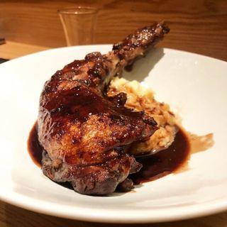 骨付き鶏赤ワイン煮込み(ジビエ食堂)