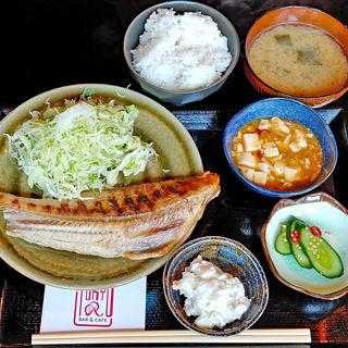 焼魚定食(縞ホッケ)