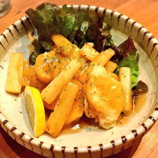 白身魚フリッターのアスパラバターソテーかけ(酒肴 かおりぐさ)