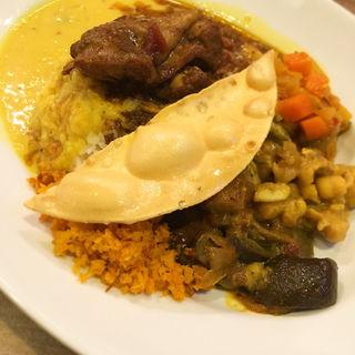 スリランカ ライス&カレー(Apsara Restaurant & Bar)