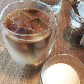 アイスラテ(ジュビリーコーヒーアンドロースター (Jubilee Coffee and Roaster))