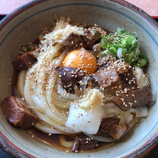 牛すじぶっかけうどん(生卵入)(凡蔵 (ぼんくら))