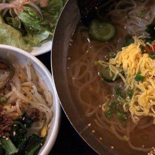 冷麺&ミニビビンバセット(焼肉トラジ 青山店 )