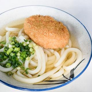 コロッケうどん(うどん小+コロッケ)(増井米穀店 (ますいべいこくてん))