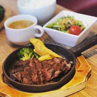 ハラミステーキ(肉バルGABUTTO)