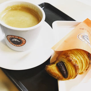 チョコクロ&ブレンドコーヒー(サンマルクカフェ 代々木上原店 )
