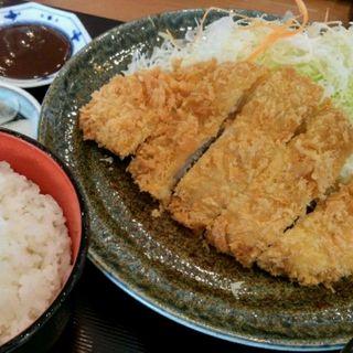 ロースかつ定食(豚や 東京競馬場2階売店 )