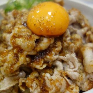 すたみな丼 肉増し(ご飯普通盛)(稲田屋 SUN)