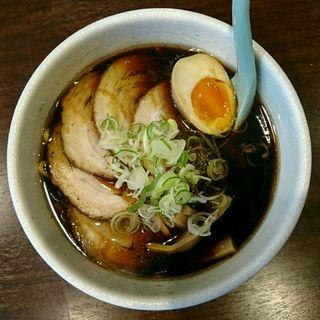 黒醤油チャーシュー麺