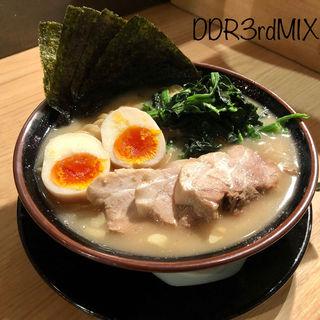 豚骨醤油ラーメン 全部のせ(オリオン餃子 本店)