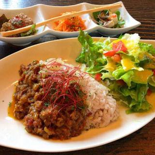 薬膳カレー(カフェ サルーテ )