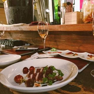 フランス産鴨の生ハム 季節のフルーツと共に(ラブワイン (Wine Bar luv wine))