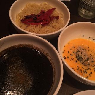 黒陽スパイスカレーたまごつけ麺