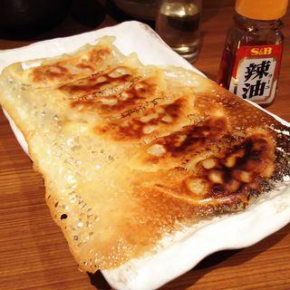 自慢の羽根つき肉餃子(和民 JR蒲田東口店 (わたみ))