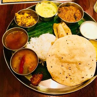 ベジタリアンミールス(アーンドラ・キッチン (Andhra Kitchen))