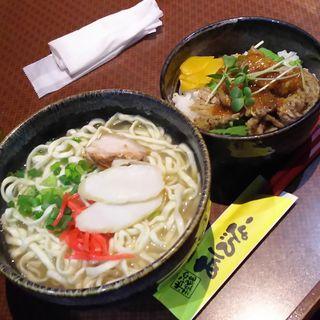 牛カルビ丼+沖縄そば(あしびなー)
