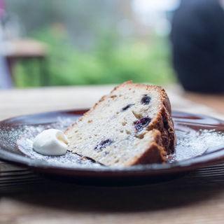 ブルーベリーとバナナのバターケーキ(パーランド (parland))