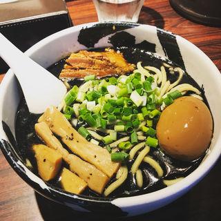 味玉ら〜麺 黒(麺屋武蔵 武骨 御徒町店)