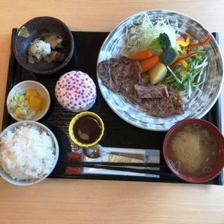ステーキ定食(ゆもみ庵)