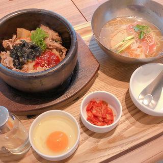 プルコギ石焼ビビンバとミニ冷麺セット(シジャン 明石駅ピオレ店 )