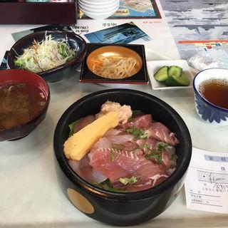 海鮮丼(旬鮮道場 魚芳)