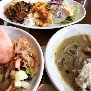 ランチビュッフェ(クワンチャイ タイ食堂茶屋町店)