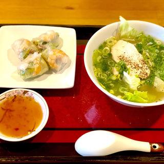 フォーと生春巻き(ミスサイゴンベトナム料理店 )