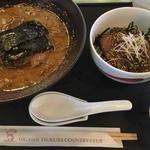 濃厚豚骨ラーメンとミニステーキ丼(東筑波カントリークラブ レストラン )