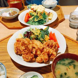 唐揚げ定食(キッチン 米一  千早店)