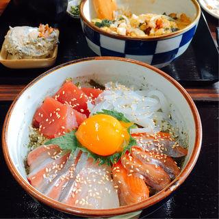 海鮮丼(海の家 えびすや )