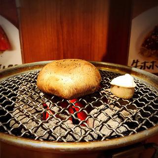 おっきいマッシュルーム(炭火焼まるは)