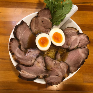 醤油ら〜めん 煮玉子 炭火焼チャーシュー増し(極汁美麺 umami)