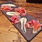 リコッタチーズと生ハムメロン